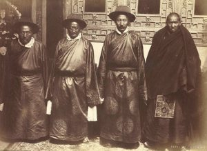Чиновники 13 Далай Ламы. 1904 год.