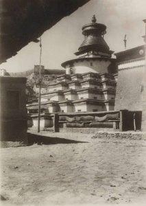 Гьянце Кхумбум 1900