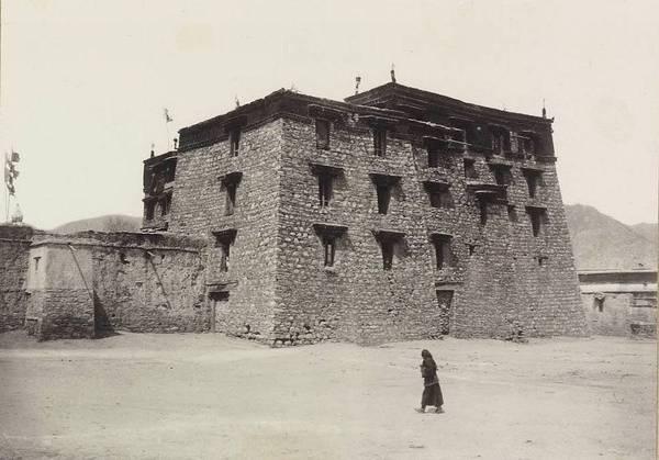 Монастырь в Тибете 1900 год.
